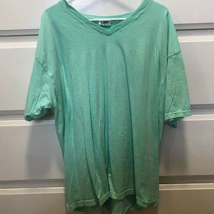 Tops - Comfort Colors XL V-Neck
